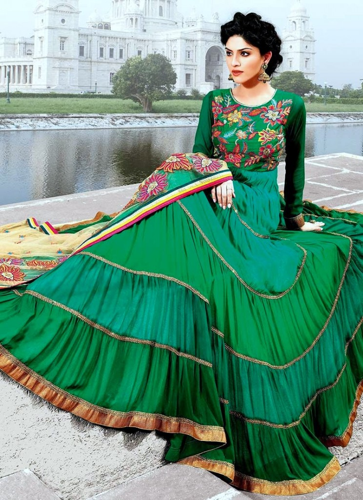 Latest-Stylish-and-Fancy-Indian-Anarkali-Umbrella-Frock-designs-and-Churridaar-Suits-2014-2015-11