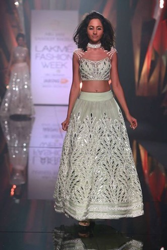 Abu-Jani-and-Sandeep-Khosla-Mint-Green-Lehengas