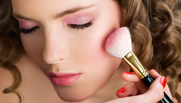 Blush cheeks